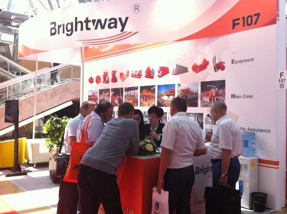 Customers-Listening-to-Brightway-Presentation